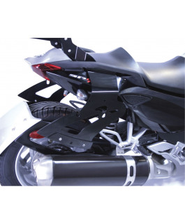 Mounting kit for removable saddlebag for Spyder® Can-Am